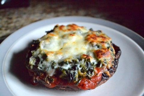 mushroom pizza 1